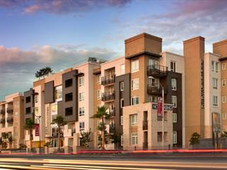 Stay in style near Disneyland in this spacious 2 Bedroom Anaheim Apartment, Orange