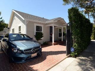 Spectacular 3 Bedroom House and One Bedroom Guesthouse in West Hollywood, Beverly Hills