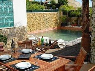 Gorgeous  well apointed villa near all amenities