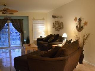 NWW, 3 BDRM, 1 BA, SLEEPS 9, 1 BLK TO BEACH / BW, North Wildwood
