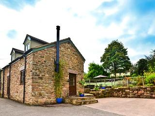 CIDERPRESS COTTAGE, woodburner, WiFi, doorstep walking and cycling trails, detaced cottage near Monmouth, Ref. 24803