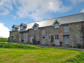 MILHE Barn situated in Bude (11mls E)