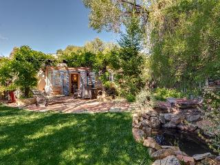 Casa Oasis - Luxury historic adobe in one of Santa Fe's prime locations!