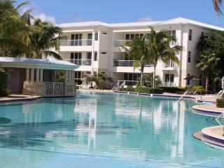 Licensed 2/2 Villa in Key Largo's Most Upscale Oceanfront Resort - Secured WiFi!