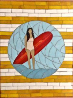Surfeuse mosaïque.