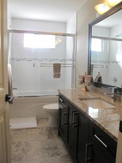 Large Bathroom with Lots of Counter Space