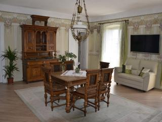 Antique Royal Apartment, Cilipi