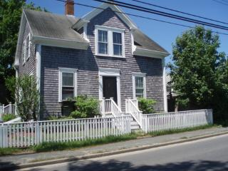 3 Bedroom 3 Bathroom Vacation Rental in Nantucket that sleeps 6 -(10124)