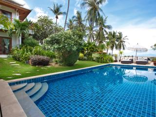 Barefoot Luxury ocean view pool villa in Bophut