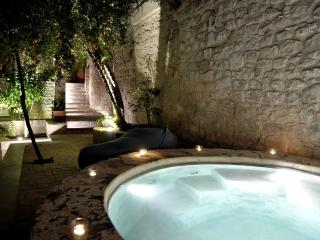 Anime a Sud - Residenza HORTUS | Enchanting Ancient Villa with garden
