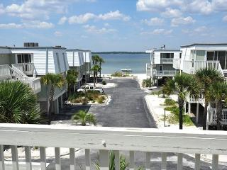 $110/nt February Special! 2-bedroom/2.5-bath Townhome at Boardwalk!, Pensacola Beach