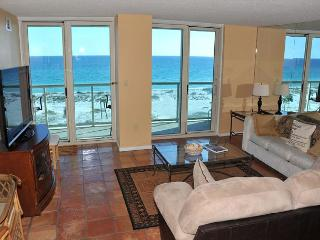 2 bdr 7th flr Sabine Yacht & Racquet Club w/Gulf views; boat slips available!