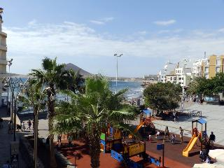 Apart. con wifi frente a la playa en El Medano