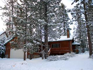 Near Lake - Family Cabin 3 bd / 2 ba & SPA, Big Bear Region