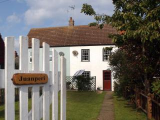 Juanperi Cottage, Winterton-on-Sea