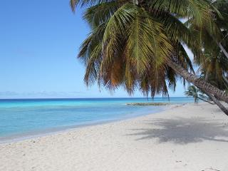 Barbados cheap holiday apartment  AC  2 min. beach, Dover
