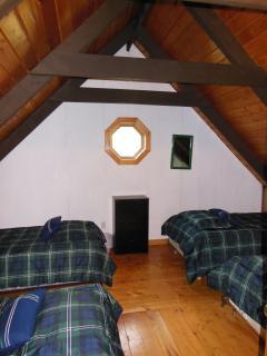 Upper level bedroom - 4 single beds