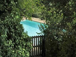Montalto cosy country house near Milano with swimm, Montalto Pavese