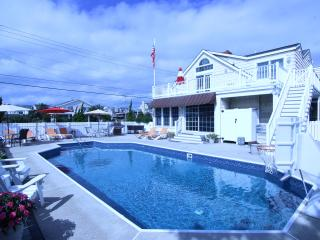 Beach Block,3rd House From Beach,Large Pool,Views, Avalon