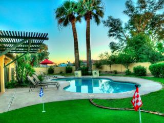 N.Scottsdale Home- Pool/Spa/Putt/Pool Table/Fire, Phoenix