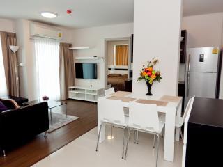 Stay in Phuket city center, dCondo Creek RFH000542, Kathu