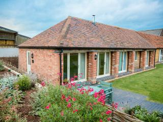 The Skylarks Luxury Farm Cottage Hottub sleeps 4-6