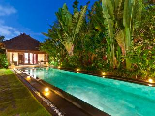 Private Deluxe B&B Guesthouse #3 at Villa Blubambu