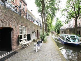 Comfort Canal Apartment for 4 at Nieuwegracht Utrecht, Provinz Utrecht