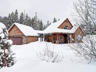 Last Minute Dec. 4th-6th Special |WiFi, Hot Tub, Slps10| Free Week Nights, Cle Elum