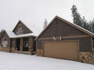 Upscale Cabin|Pool Table, Wi-Fi, Hot Tub,Pool |Slps10|Winter Specials, Cle Elum