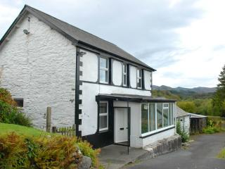Pont Arenig, delightful, traditional Welsh Cottage, heart of Snowdonia
