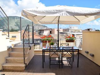 Palermo Holidays Trilocale Arredato Mondello