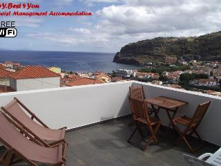 CASA DA GRAÇA. Relaxing holidays, spacious,Terrace, Machico