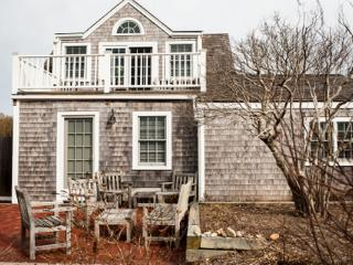 2 Bedroom 2 Bathroom Vacation Rental in Nantucket that sleeps 4 -(10173)