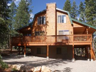 Whispering Pines Cabin near Zion & Bryce  Natl Par, Duck Creek Village