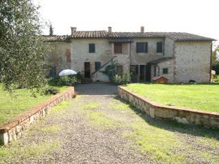 appartamenti in un tipico casale toscano, Colle di Val d'Elsa
