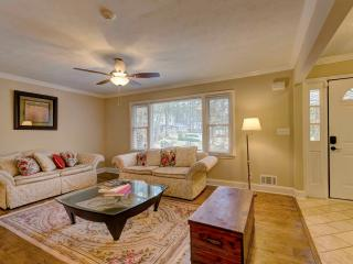 WOW Stunning 4 BDR  with Swimming Pool, Decatur