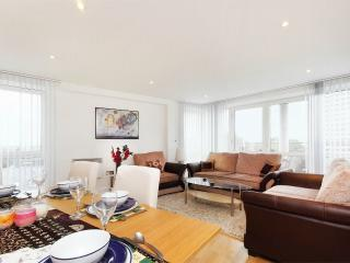 2 bed, 2 bath, Chiswick Penthouse, W4, Londres