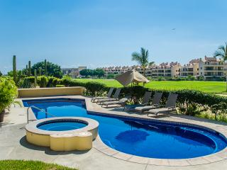 Club La Costa Condo (Car available & soaker tub), San Jose del Cabo