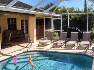 Southern Exposure-Gulf Access-Salt Water Hot Tub, Cape Coral