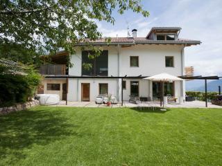 Villa Missian in campagna, design, wellness,15 min da Bz