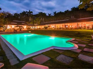 Sea Island Villa/Tennis Court/5-Star Staff, Montego Bay