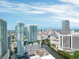1 Bedroom in Icon-Viceroy with Gorgeous River and City Views!, Miami