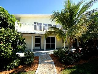 2 Bedroom 2 Bath Holmes Beach Holiday Villa ~ RA48068