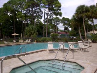Great Value Vacation Villa at Village Des Pins community, Sarasota/Siesta Key