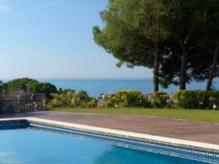 Nice villa, views and big pool