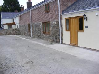 The Barn - Clawdd Offa Farm, Caergwrle