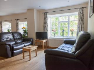 Apartment on Pennine Way and river Aire