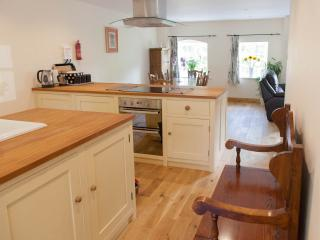 Well-equipped kitchen with double oven, ceramic hob, dishwasher, fridge, freezer & washing machine