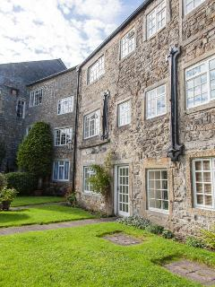 Apartment enjoys use of the extensive gardens which surround the mill
